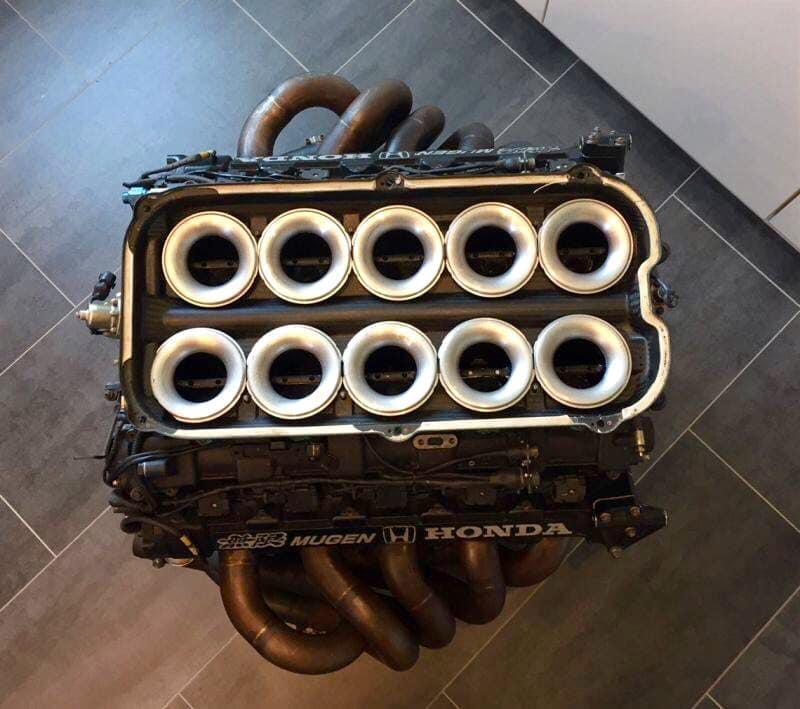 Mugen Honda F1 V10 motor uit Lotus 109 1994 boven