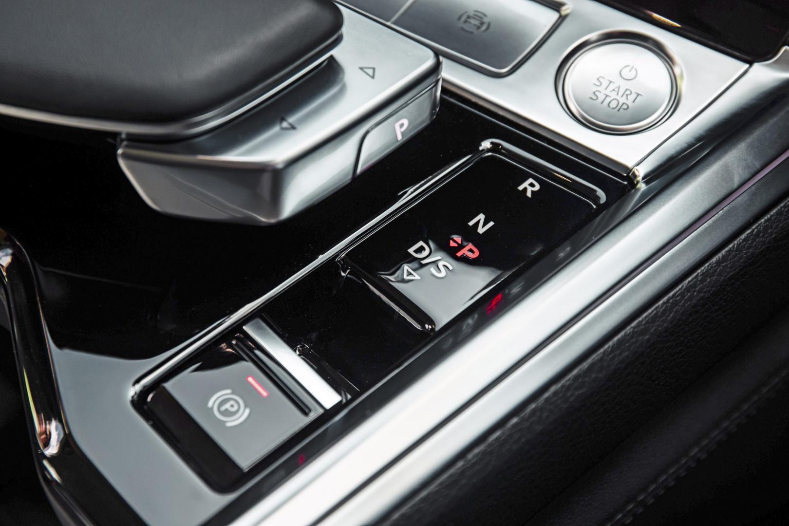 Audi E-Tron 55 Quattro Advanced interieur handrem