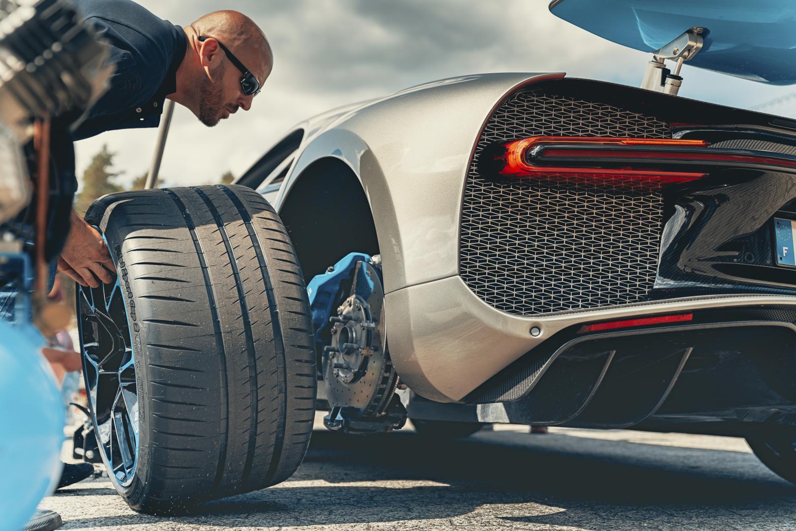 Bugatti Chiron Sport achterwiel