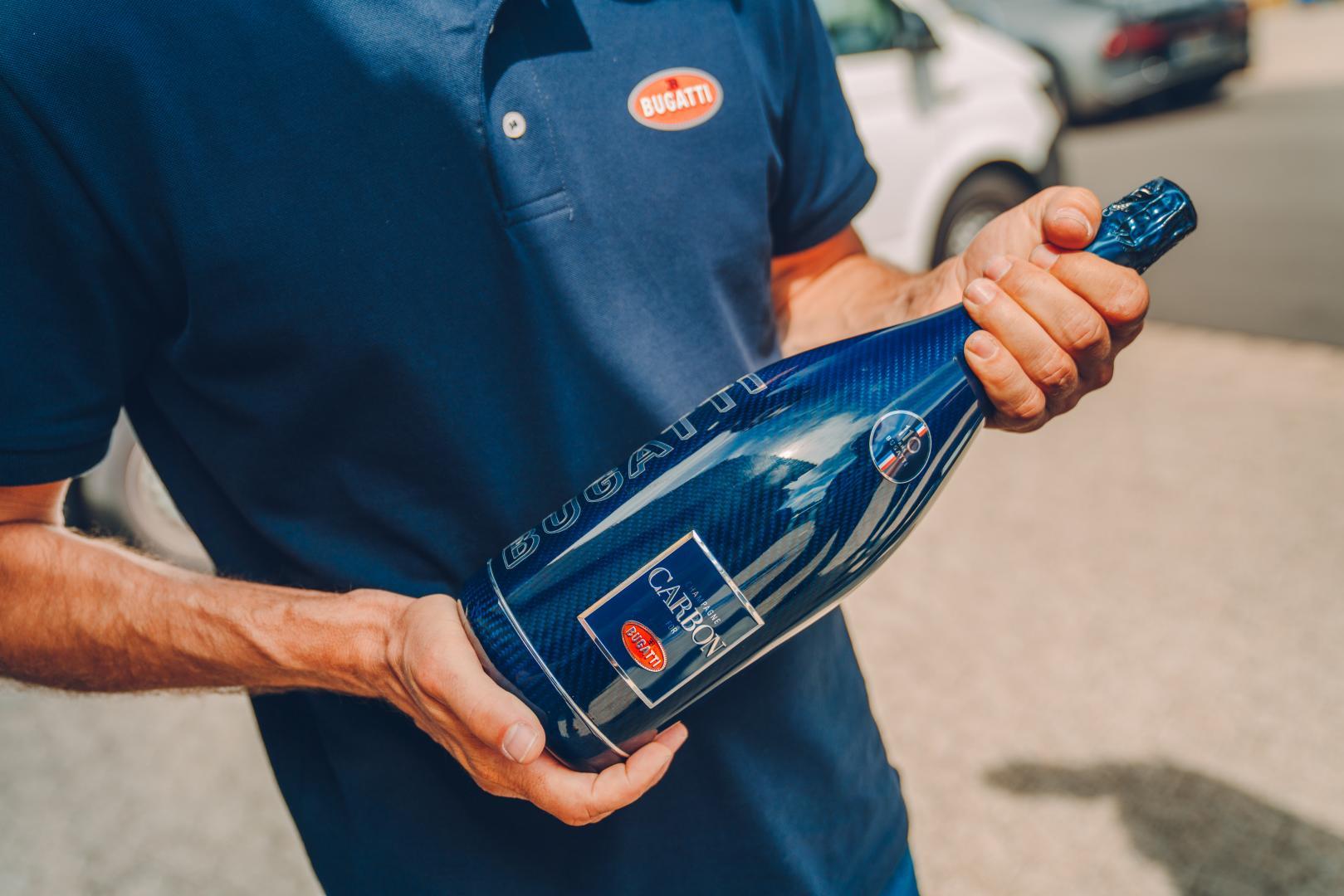 Bugatti Chiron Super Sport champagne