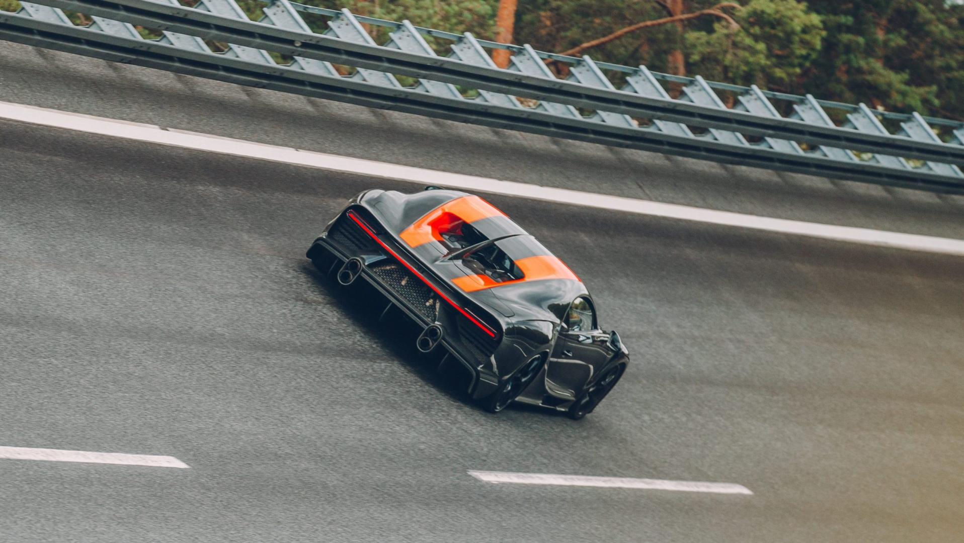Bugatti Chiron Super Sport rijder 3 4 achter