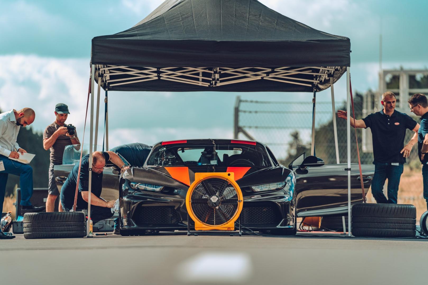 Bugatti Chiron voorkant