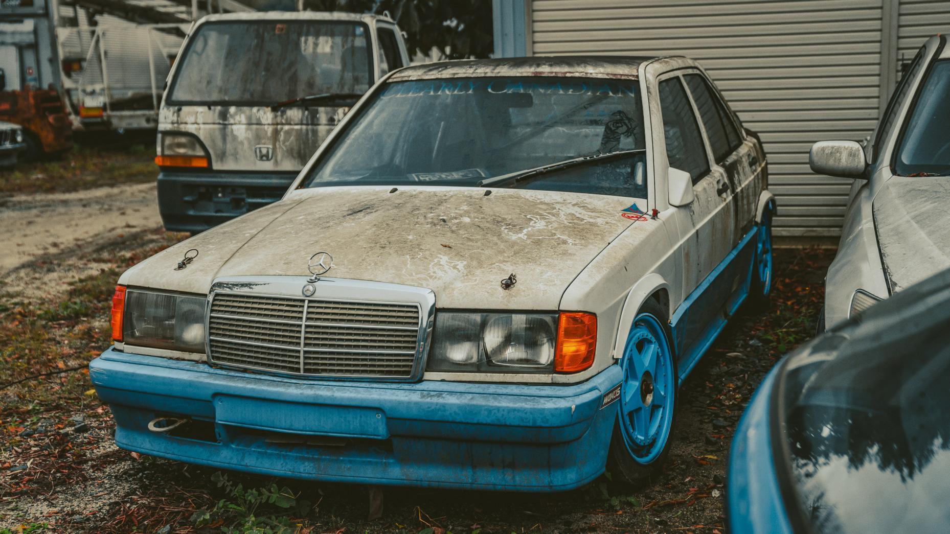 Japans Autokerkhof Mercedes 190E