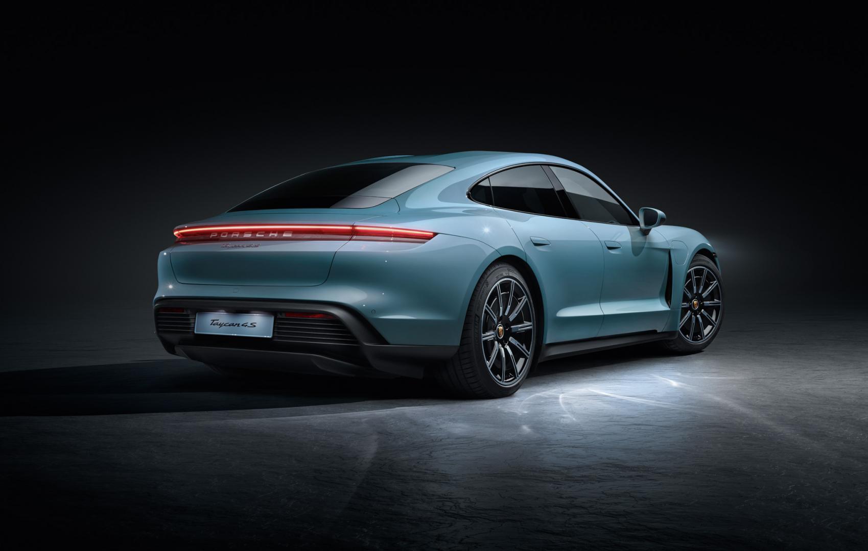 Porsche Taycan 4S deur