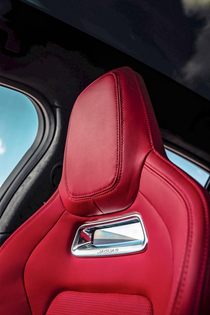 Jaguar I-Pace EV400 interieur stoel