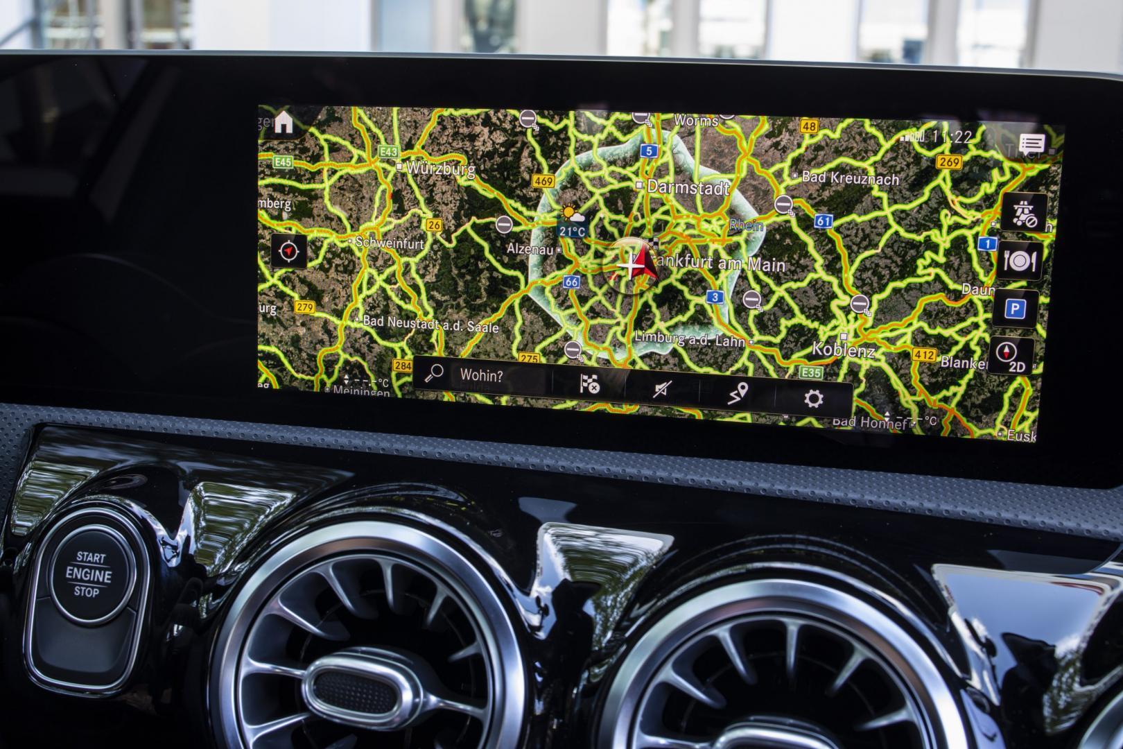 Mercedes A 250 e interieur detail navigatiesysteem
