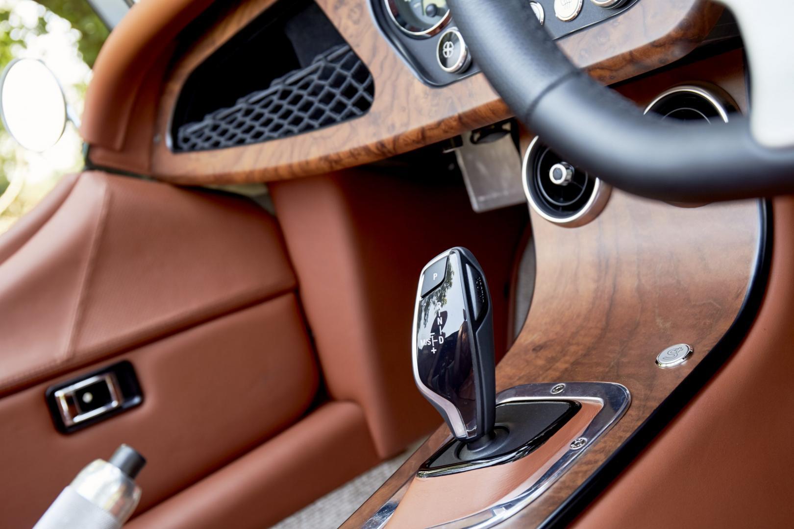 Morgan Plus Six detail pook