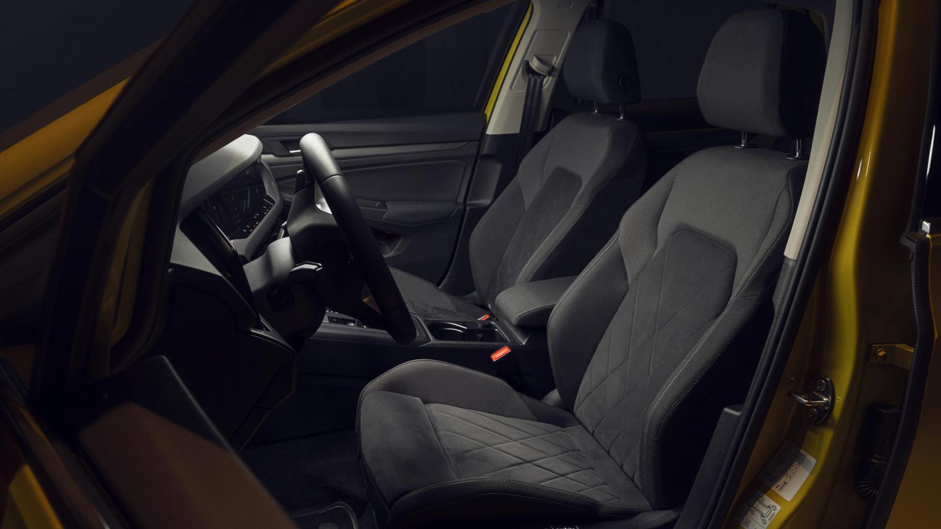 Volkswagen Golf 8 stoelen