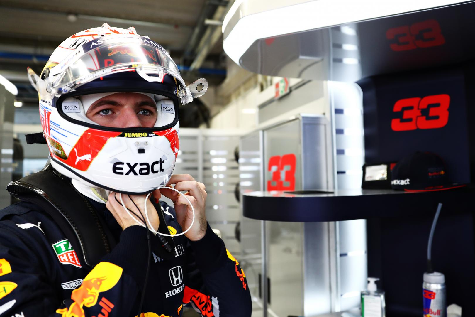 Max Verstappen GP van Brazilië 2019 in pitbox