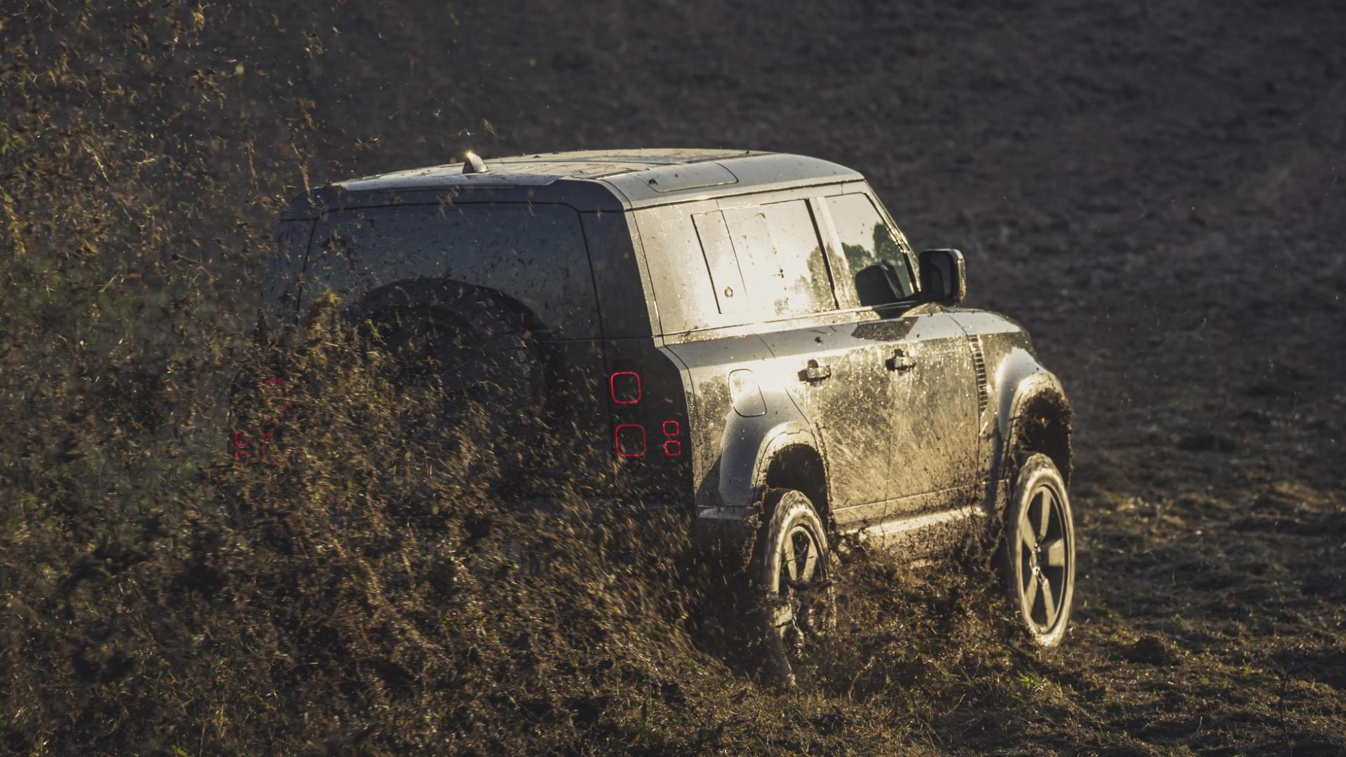 Nieuwe Land Rover Defender James Bond No Time to Die