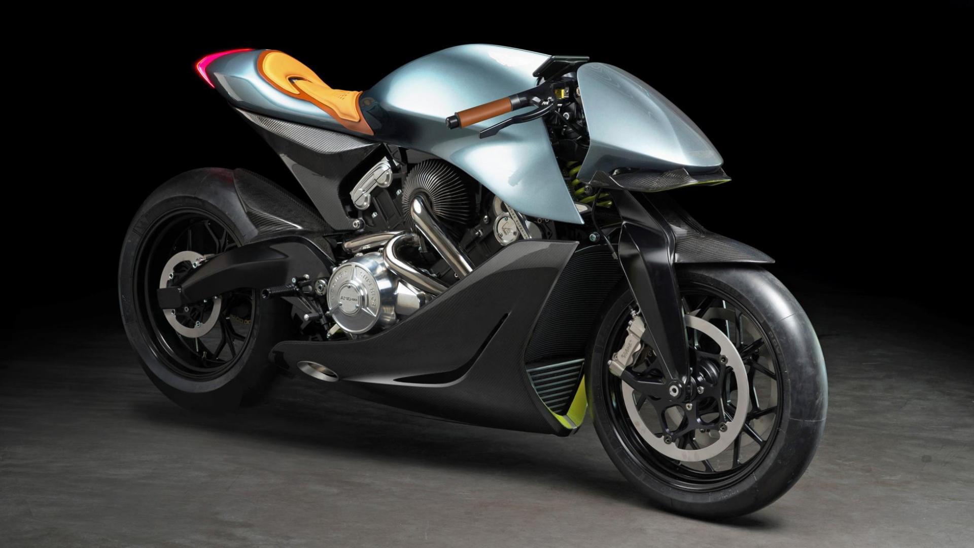Aston Martin motor