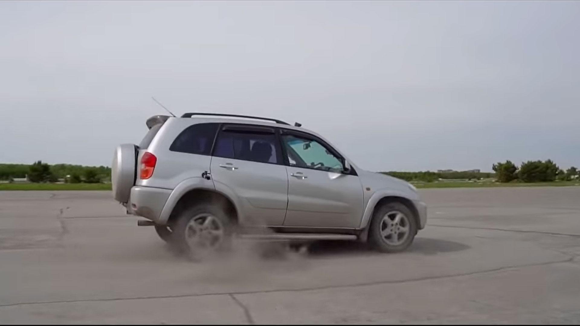 Automaat in z'n achteruit zetten tijdens rijden bij 100 km/u