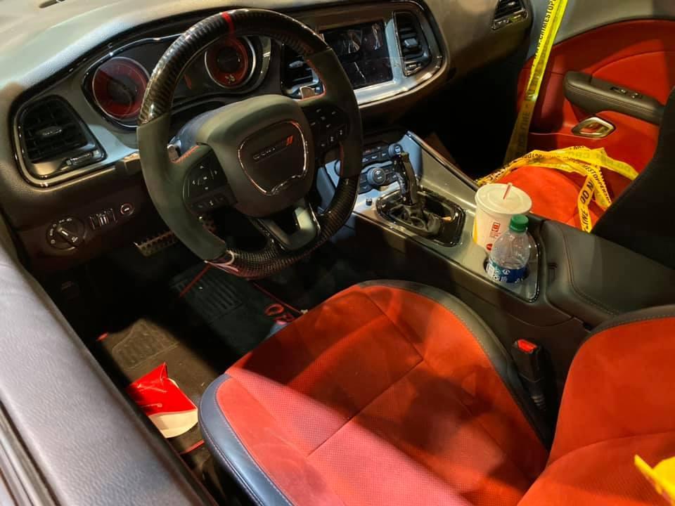 Dodge Challenger Hellcat gestolen en gecrasht interieur voor