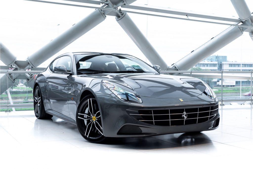 Ferrari FF Louwman Exclusive drie kwart voor