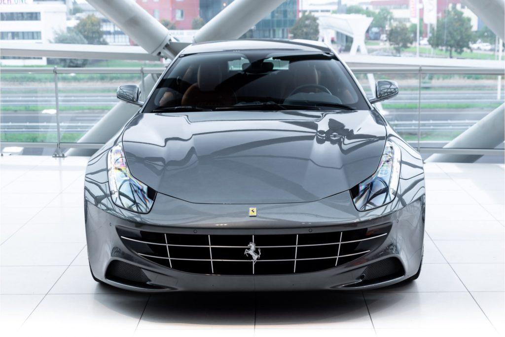 Ferrari FF Louwman Exclusive recht voor