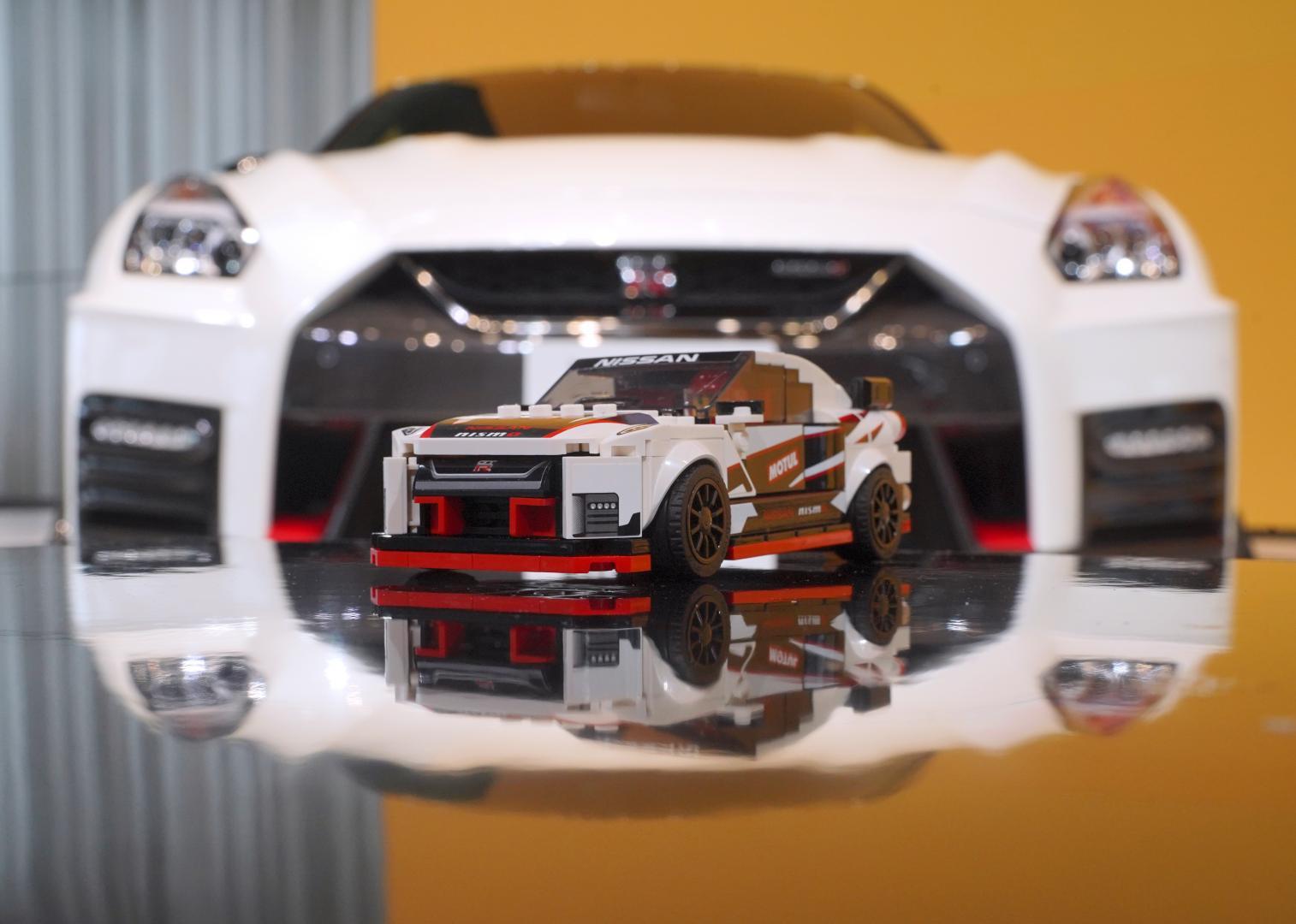Lego Nissan GT-R Nismo lego voor echt achter