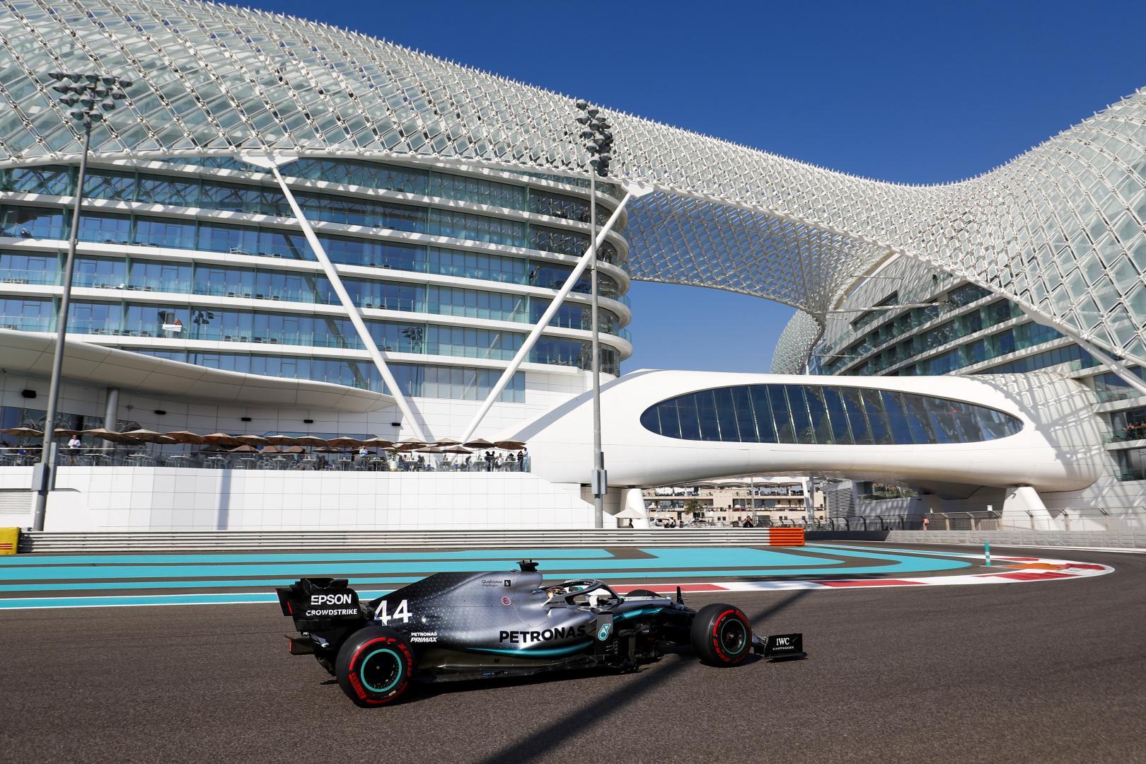 Lewis Hamilton bij hotel GP van Abu Dhabi 2019