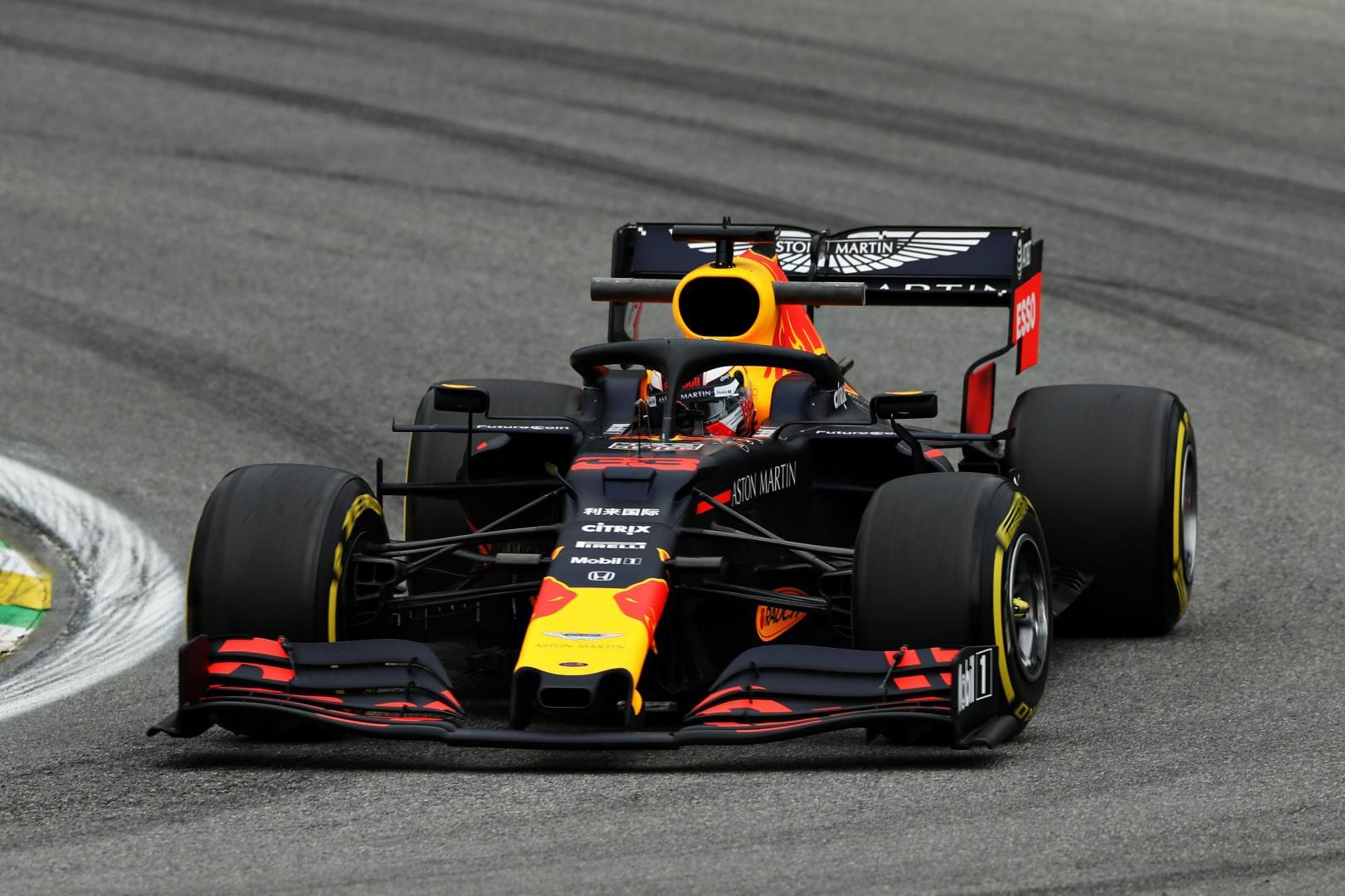 Max Verstappen Gp van Brazilië 2019 dichtbij in bocht