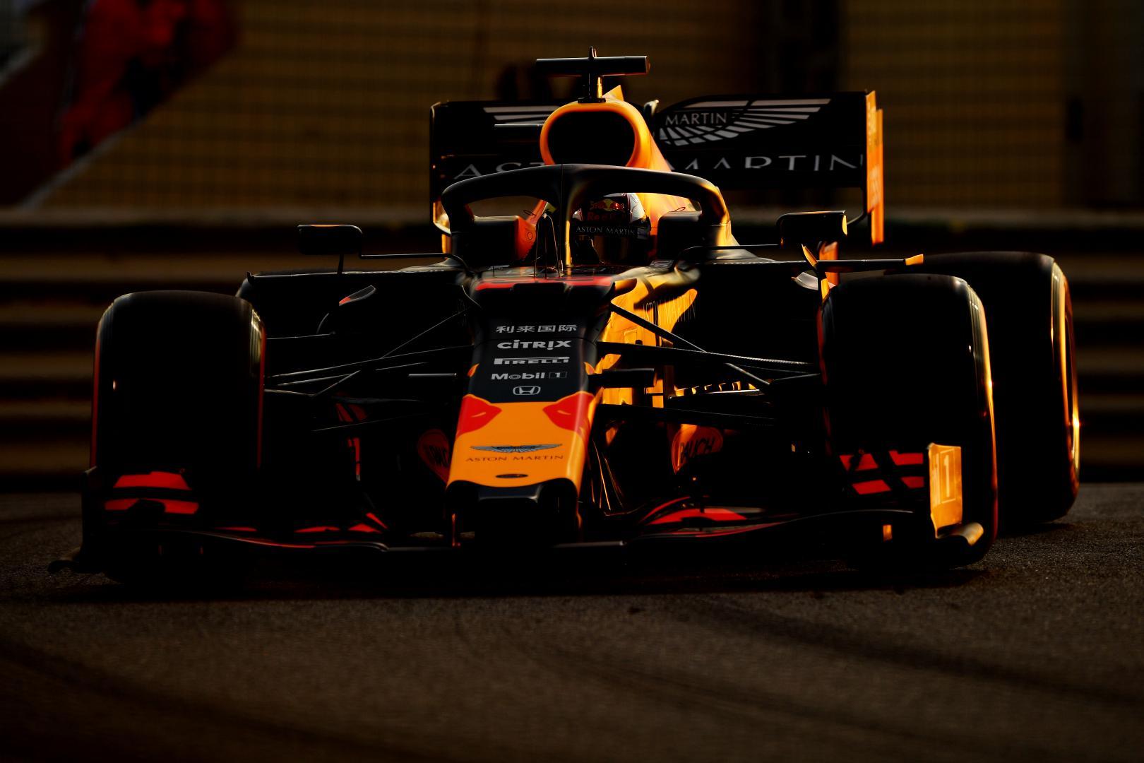Max Verstappen voor rijder schemering GP van Abu Dhabi 2019