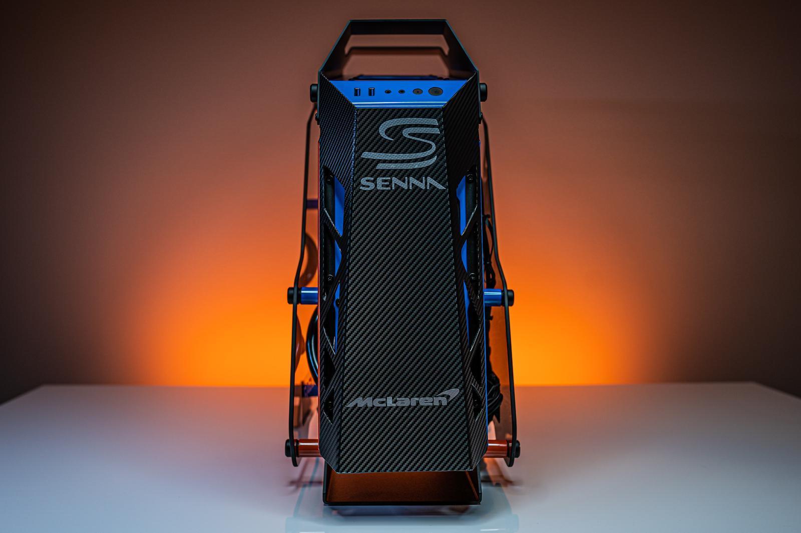 McLaren Senna PC recht voor