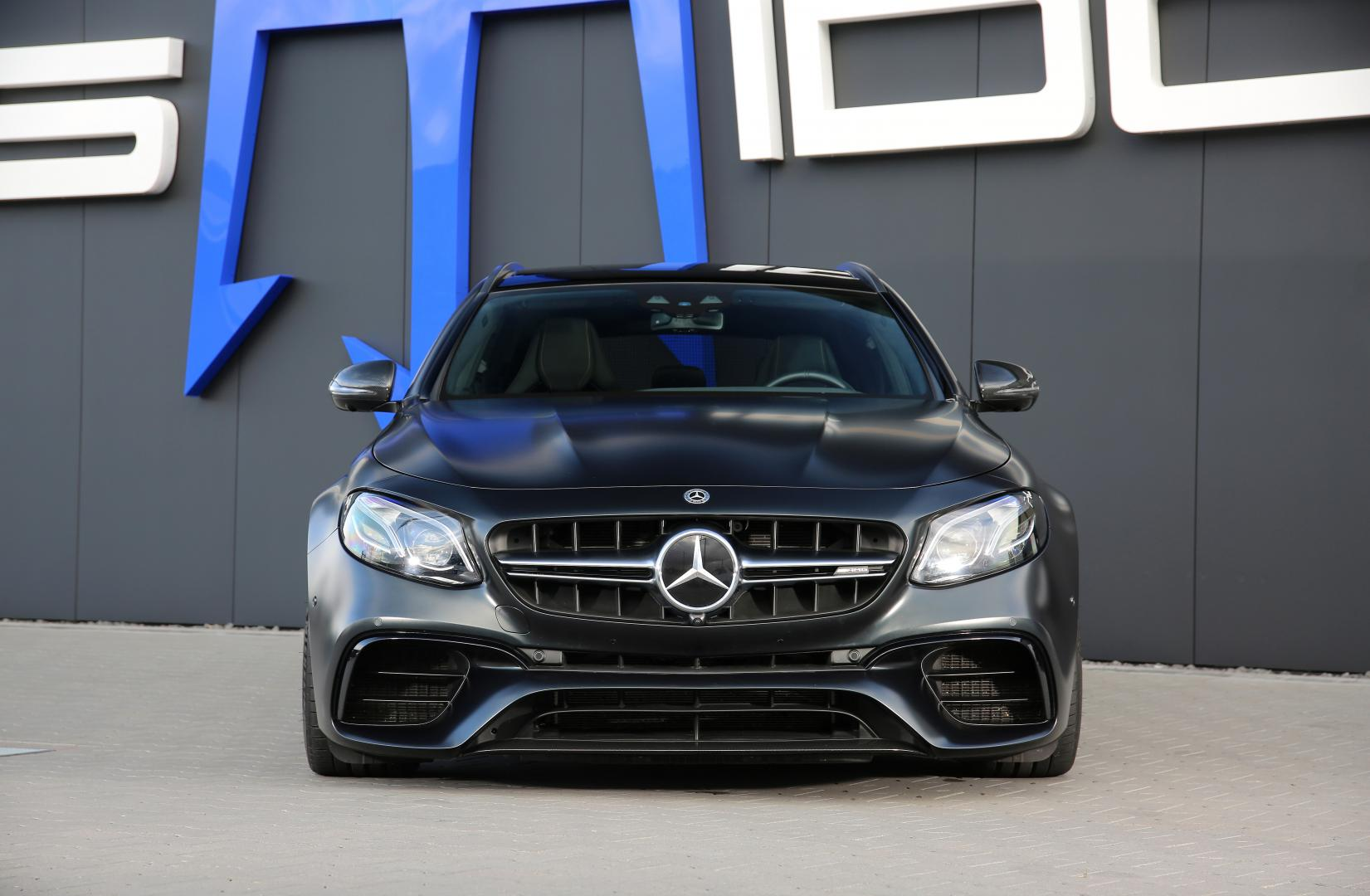 Mercedes AMG Posaidon E63 RS830 rechtvoor