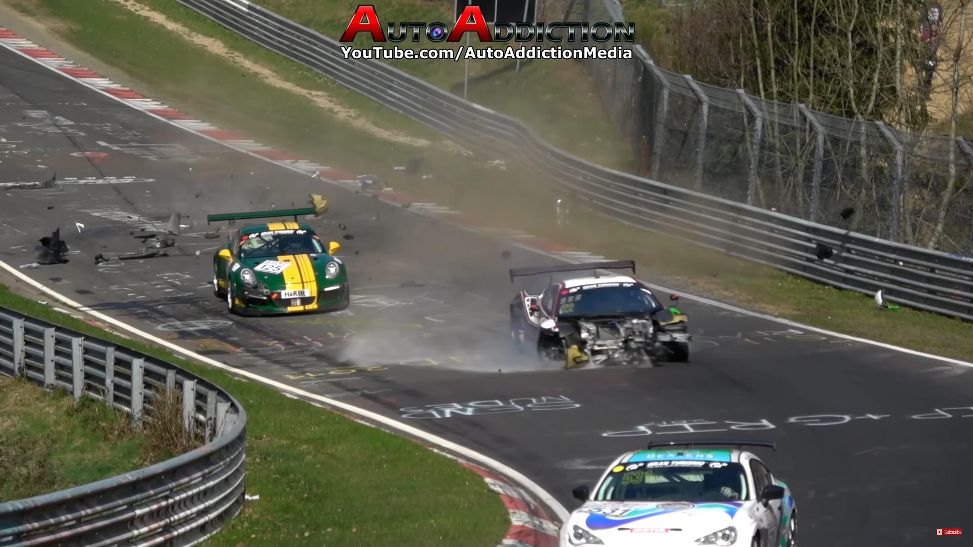 Raceauto crashcompilatie Ferrari zonder voorbumper Nurburgring