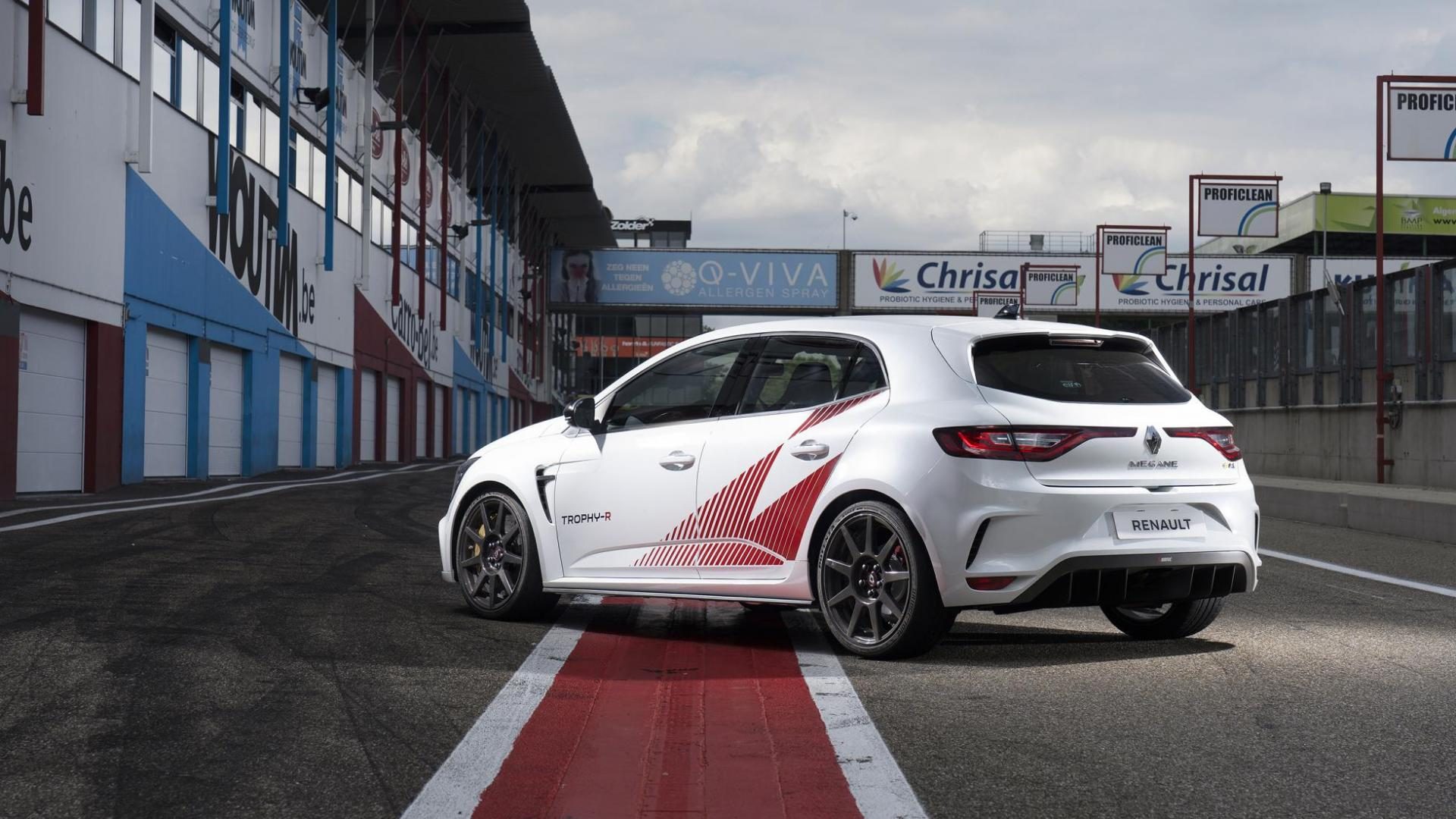 Renault Mégane RS Trophy-R drie kwart links achter in pits