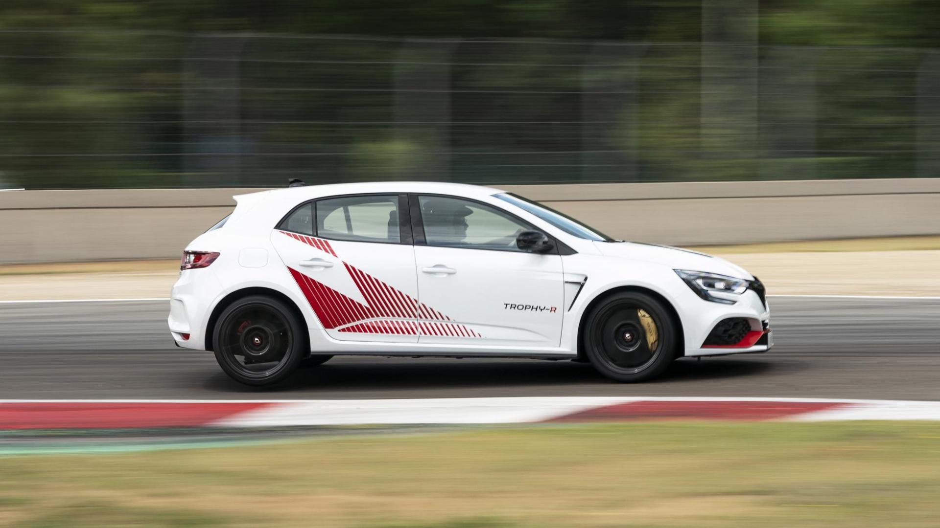 Renault Mégane RS Trophy-R zij rechts op circuit