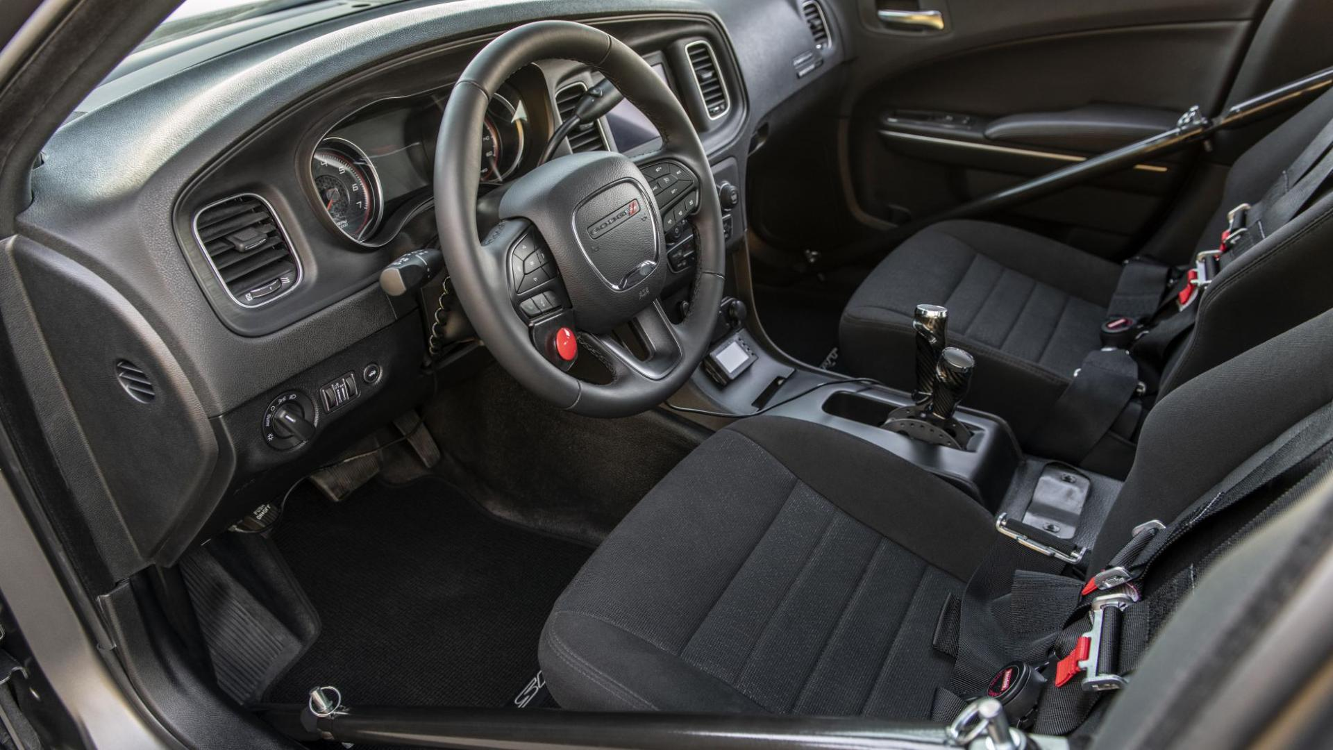 SpeedKore Dodge Charger AWD interieur