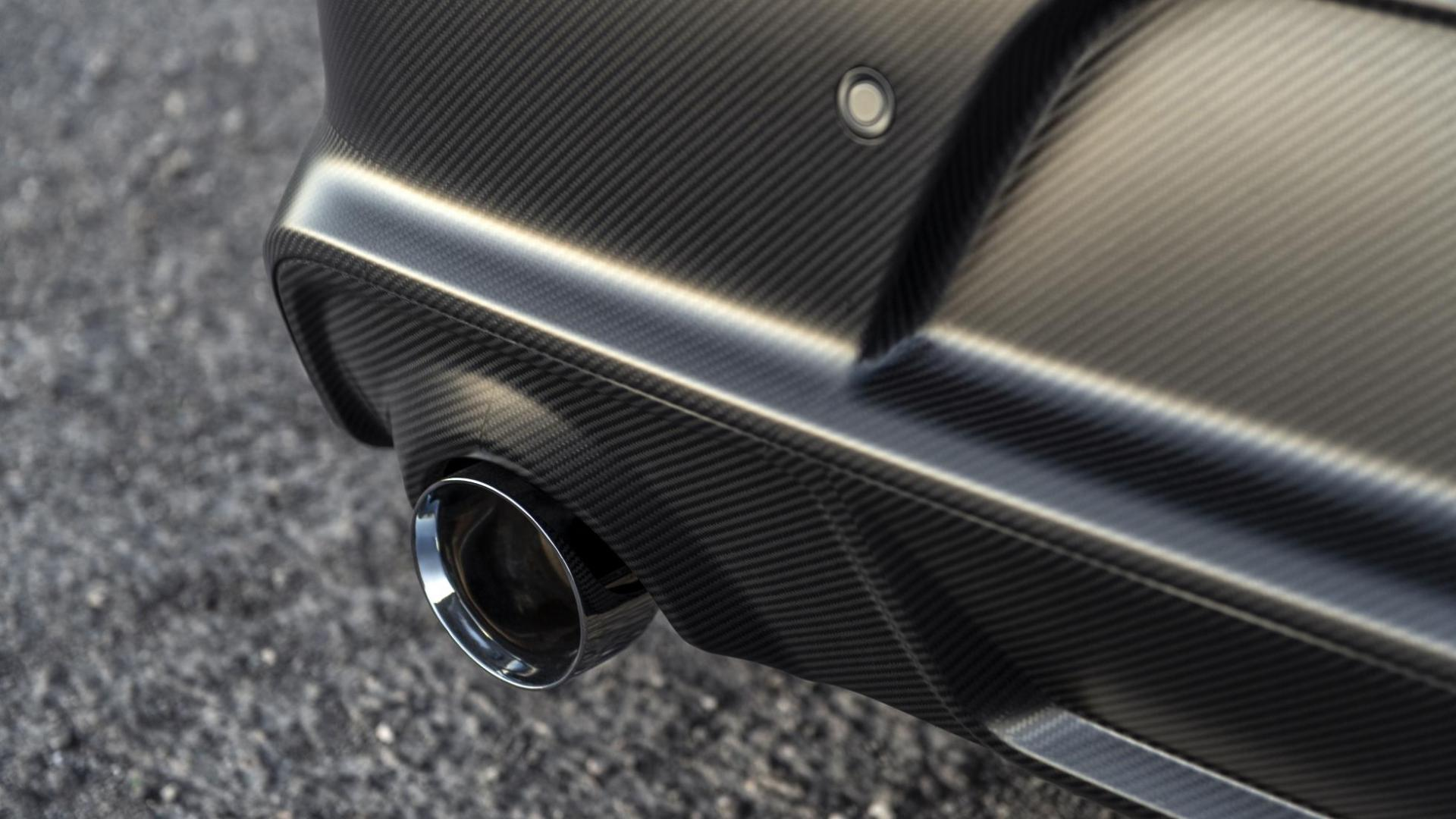 SpeedKore Dodge Charger AWD uitlaat koolstofvezel
