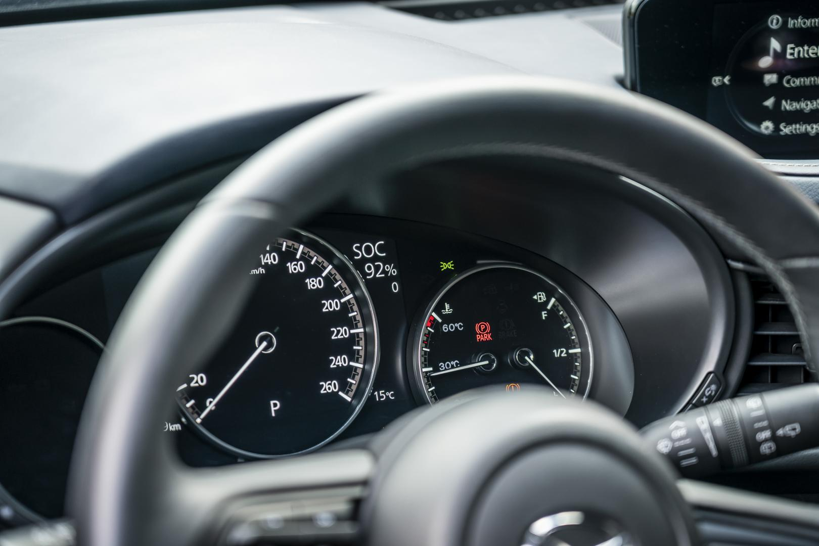 Mazda MX-30 prototype 2020 1e rij-indruk dashboard tellers