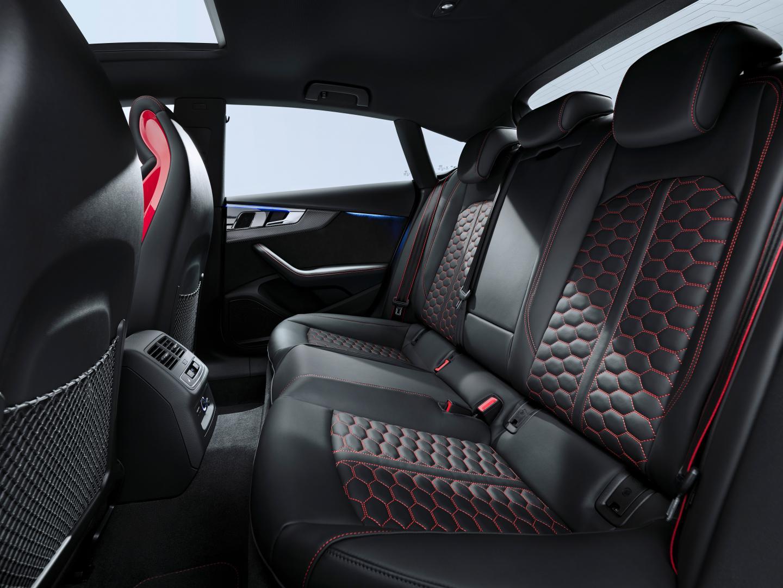 Audi RS 5 facelift interieur achterbank