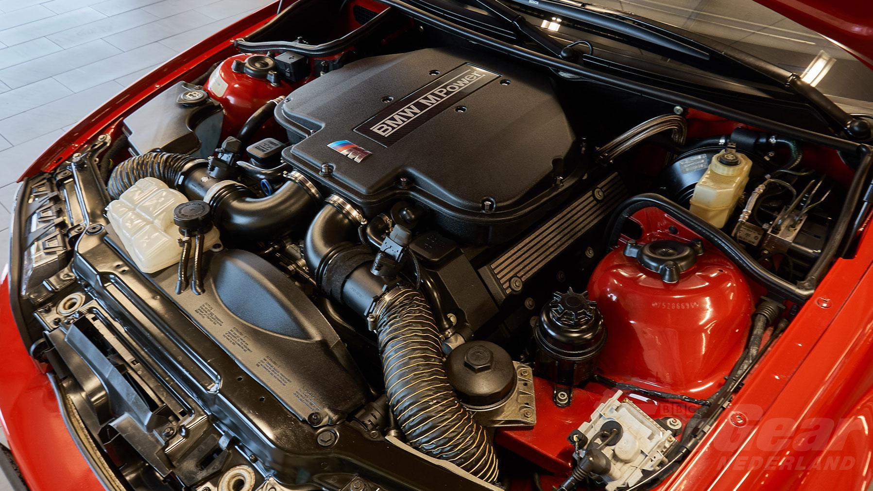 BMW S62 V8 in E46