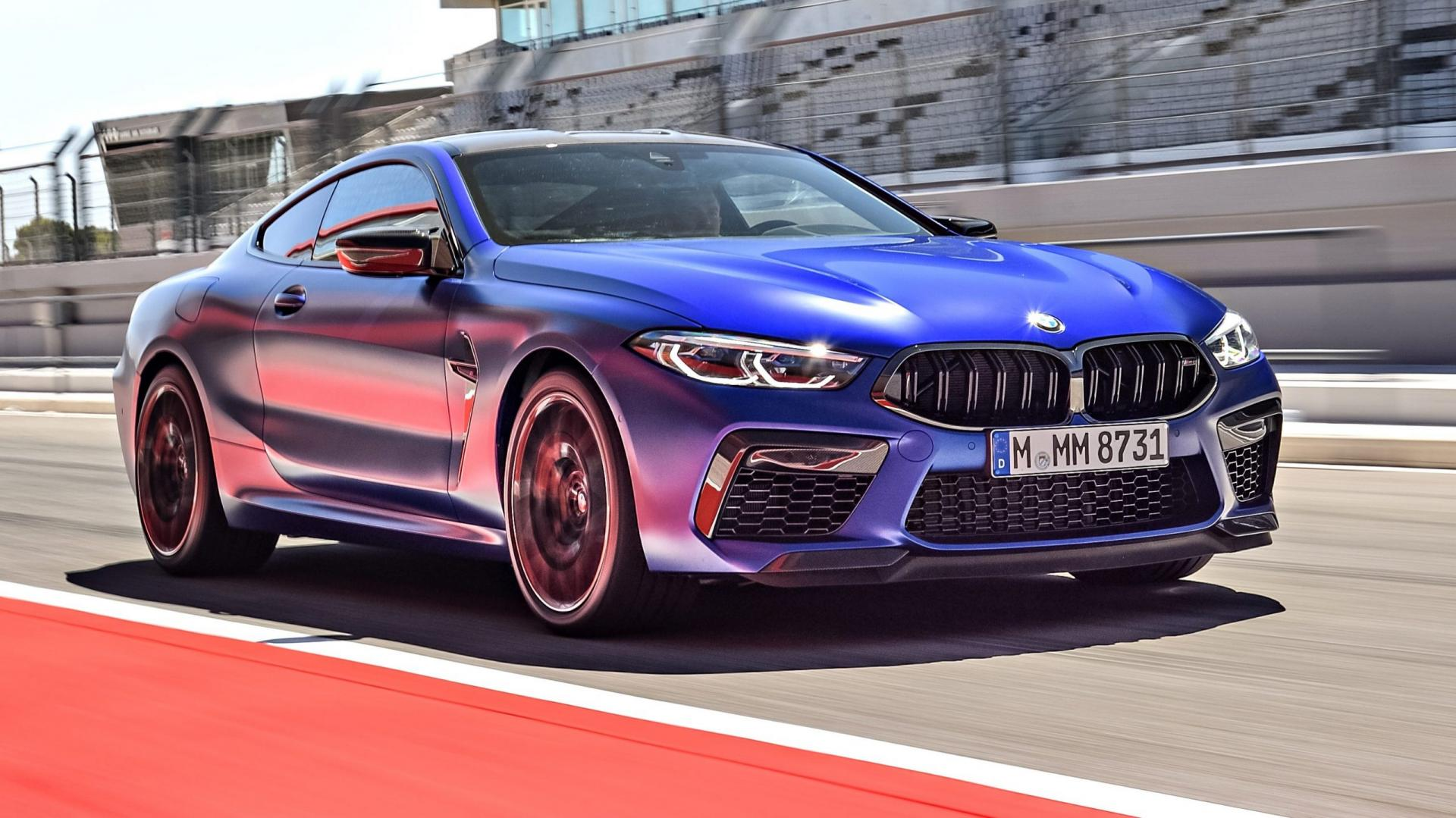BMW M8 Competition rijder 3 4 voor in pits