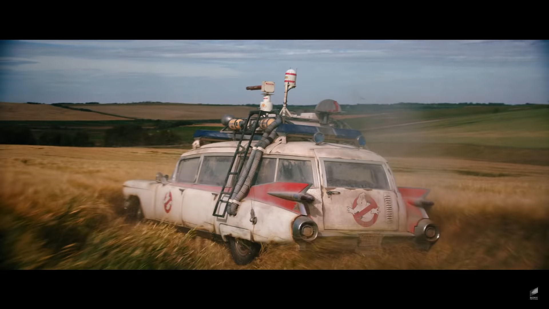 Ghostbusters Ecto-1 3 4 achter rijder drift