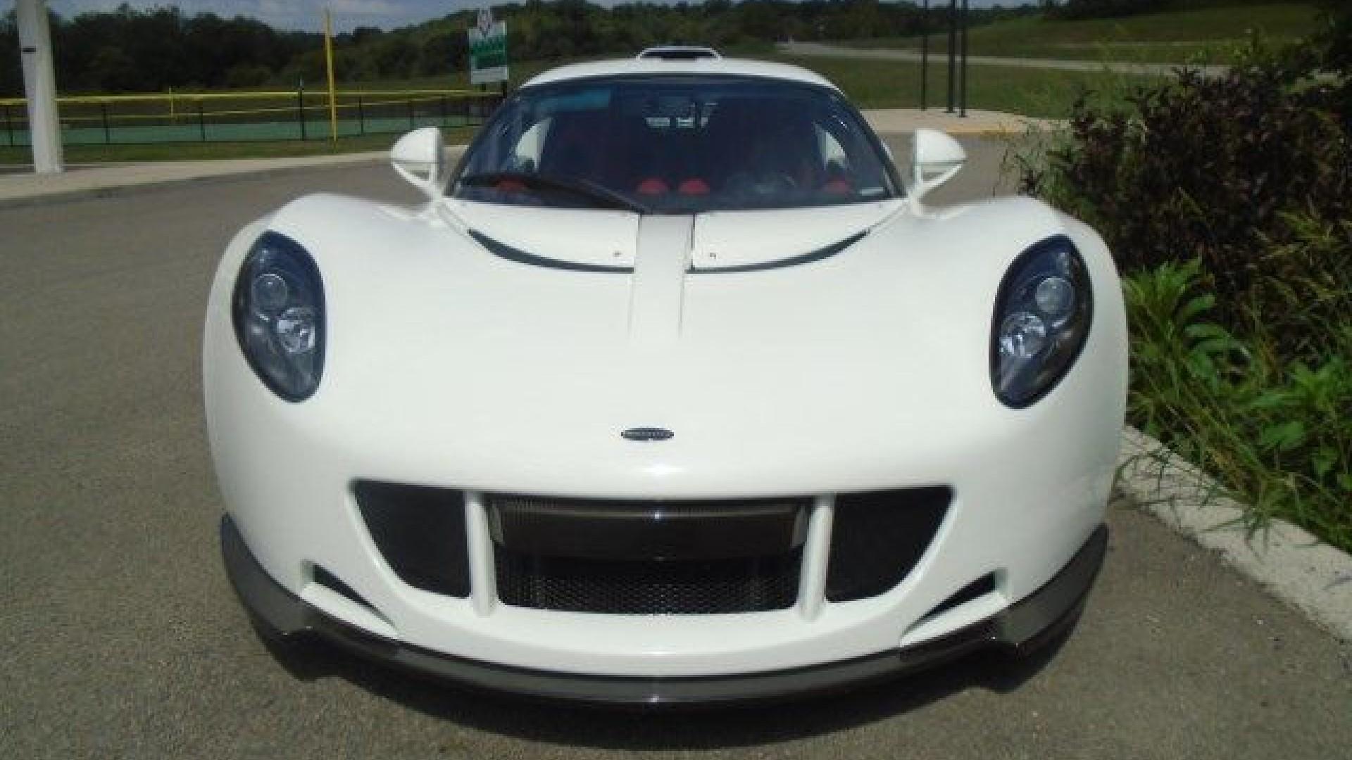 Hennessey Venom GT recht voor