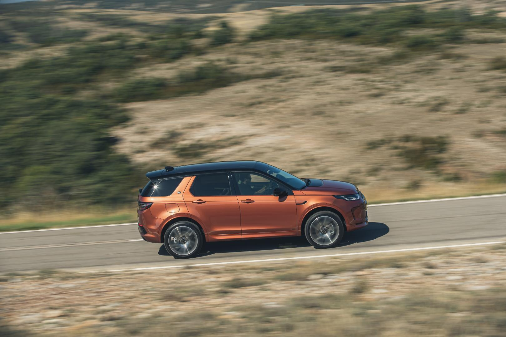 Land Rover Discovery Sport D250R-Dynamic S rijder zij