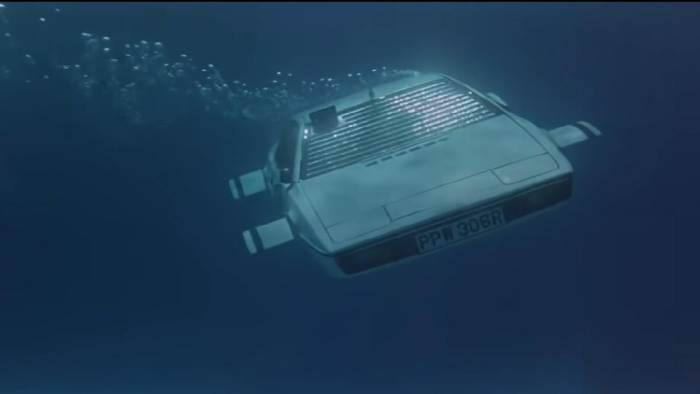 Lotus Esprit James Bond onder water 3 4 voor schuin