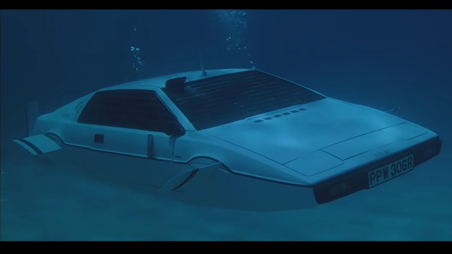 Lotus Esprit James Bond onder water 3 4 voor
