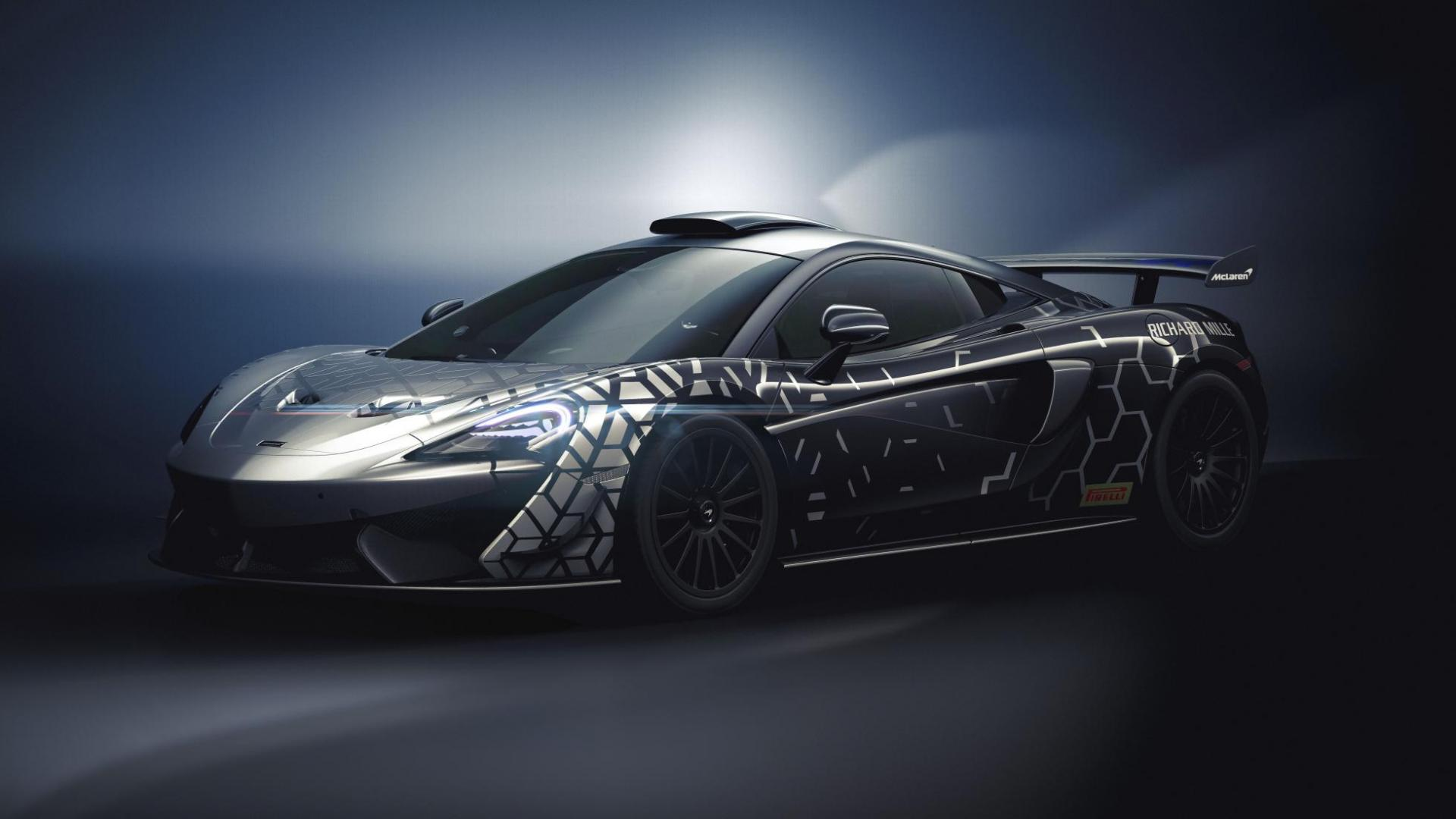 McLaren 620R 3 4 voor links