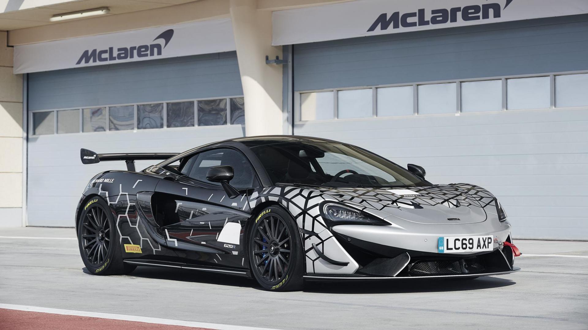 McLaren 620R 3 4 voor