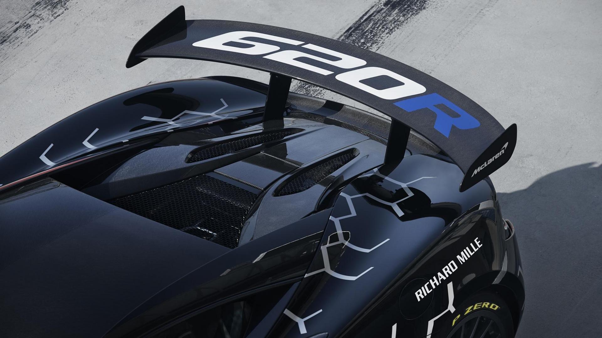 McLaren 620R detail spoiler