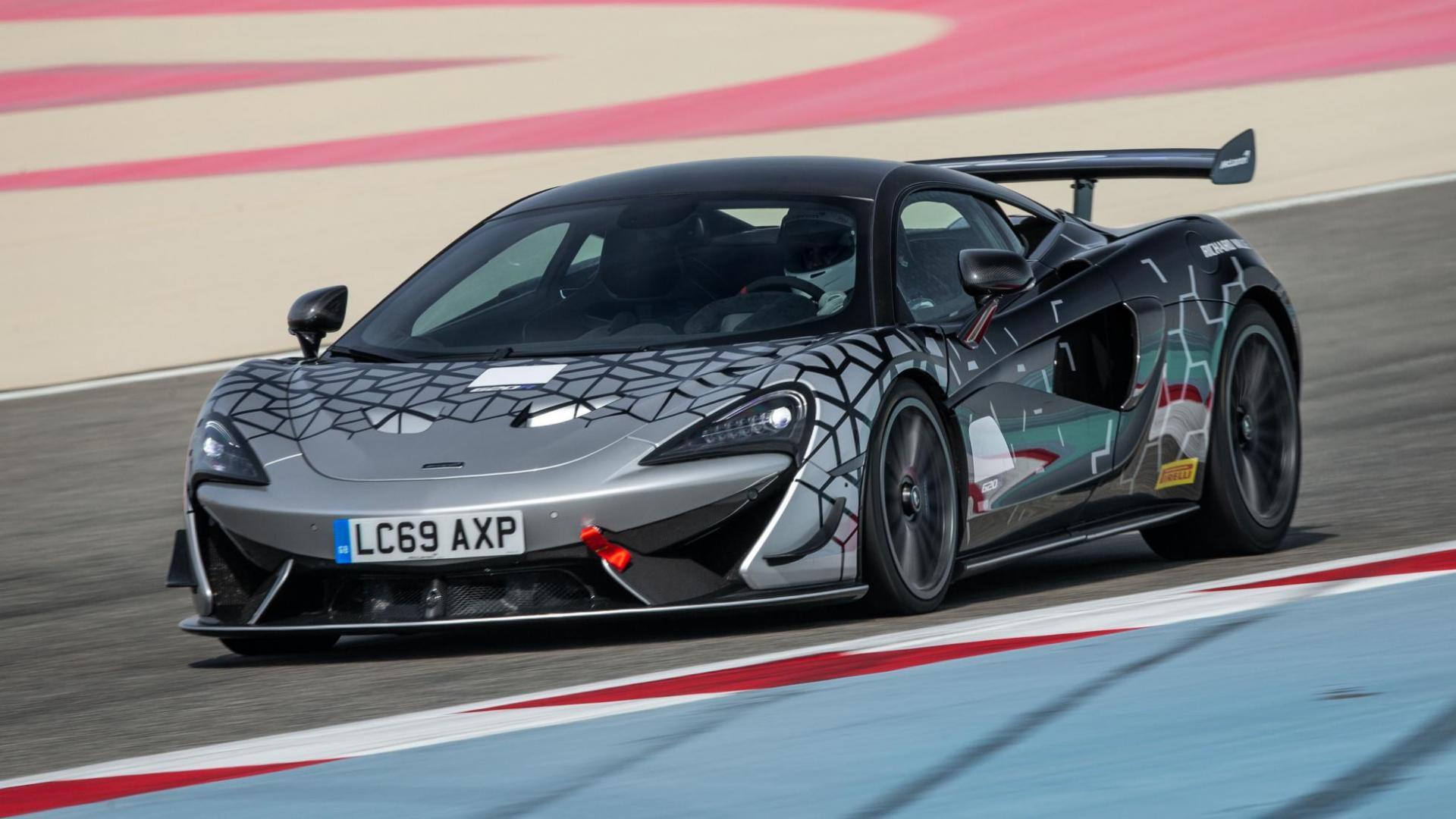 McLaren 620R 3 4 voor op circuit