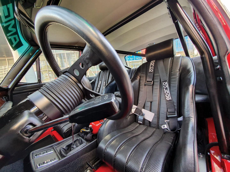 Mercedes 300 SEL AMG Red Pig interieur stuur