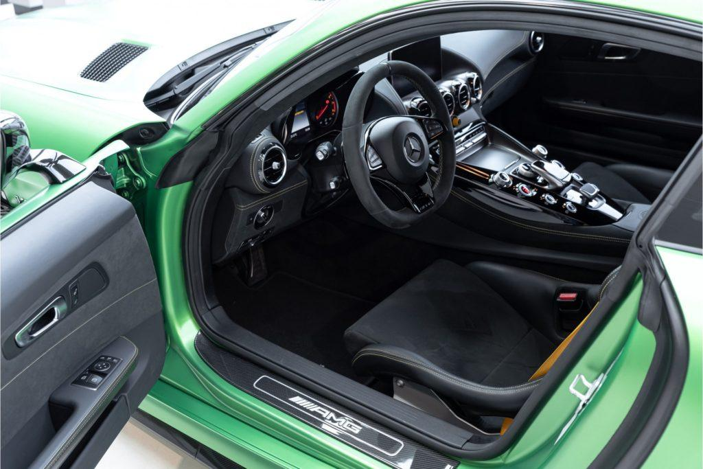 Mercedes AMG GT R Louwman Exclusive interieur deur open