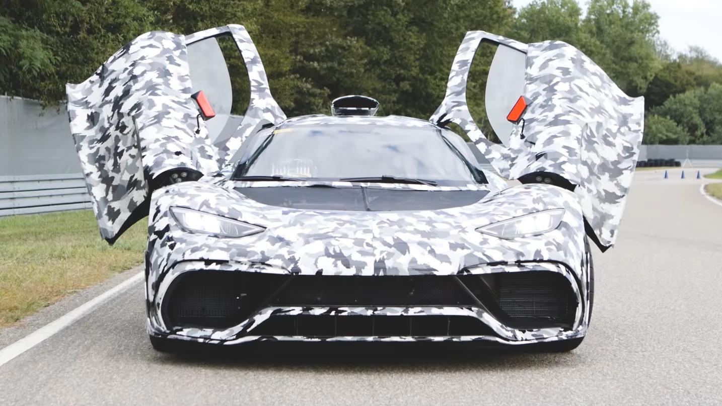 Mercedes AMG-One camo wrap recht voor