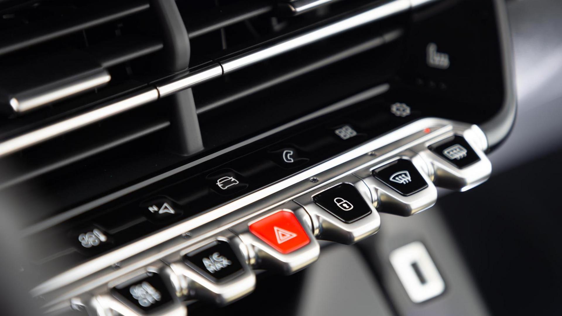 Pianotoetsen in de Peugeot 208