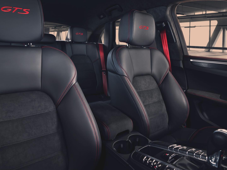 Porsche Macan GTS interieur stoelen