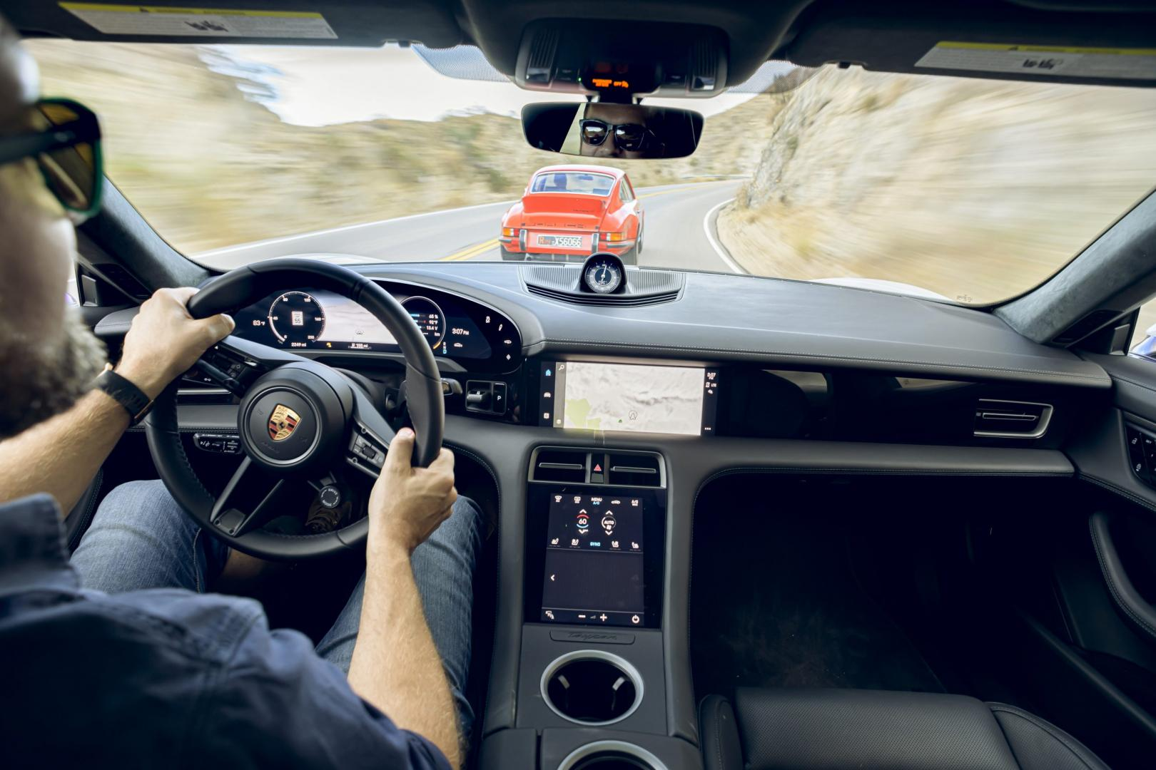 Porsche Taycan interieur dashboard