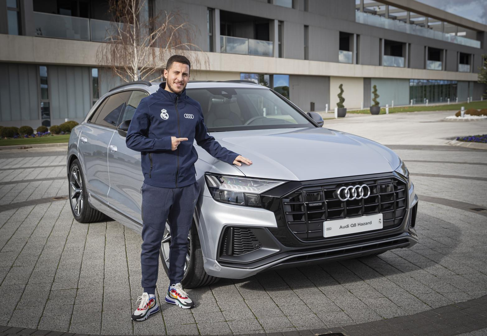 Real Madrid Audi Q8 Hazard